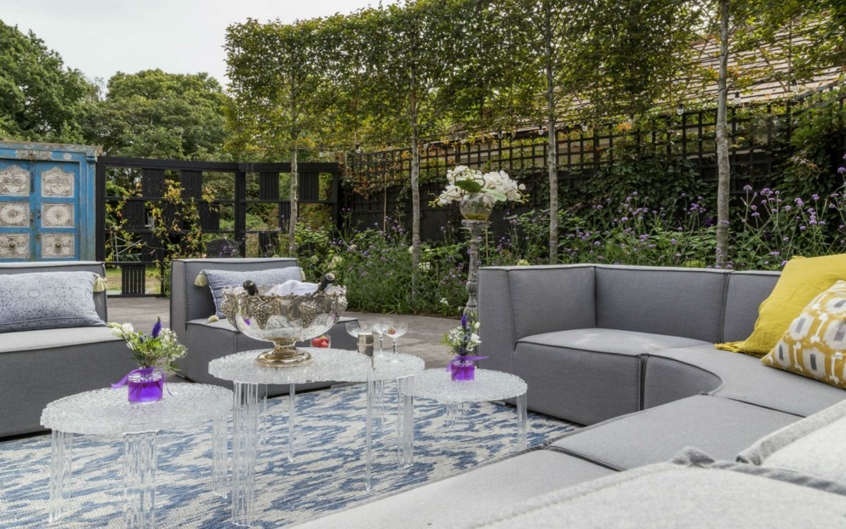 Contemporary Chic Courtyard Garden Design and Landscaping, Danbury Essex