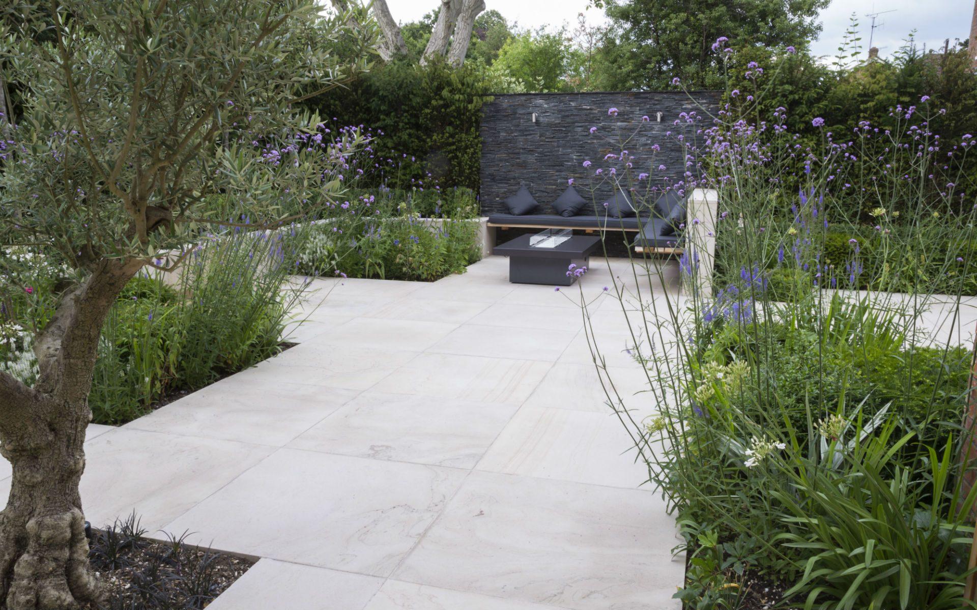 Contemporary Courtyard Garden Design and Landscaping