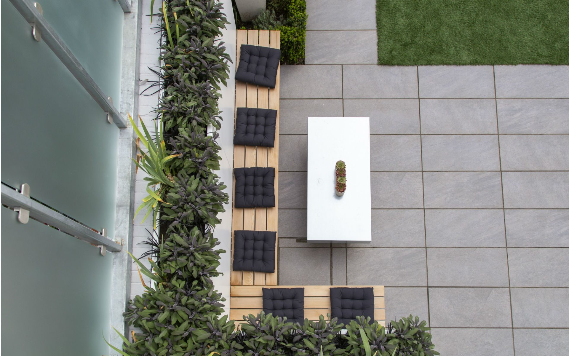 Contemporary Garden Furnishings Bespoke Cedar Bench Casual Outdoor Seating