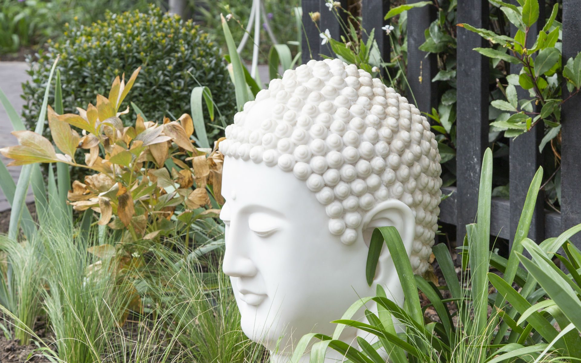 Portfolio Chic Entertaining Courtyard Garden Danbury Essex Garden Art Buddha