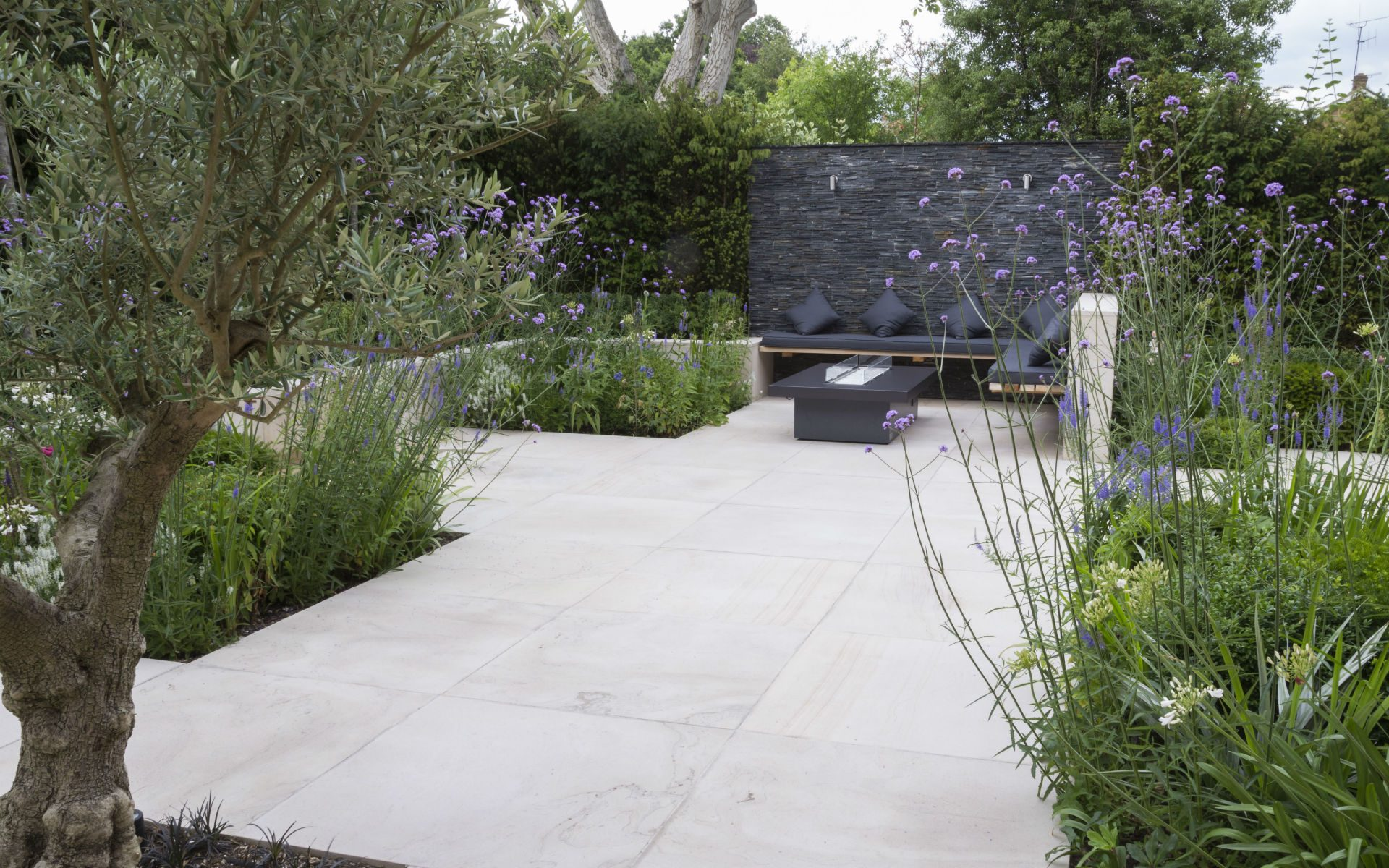 Portfolio Contemporary Living Garden and Courtyard Shenfield Essex