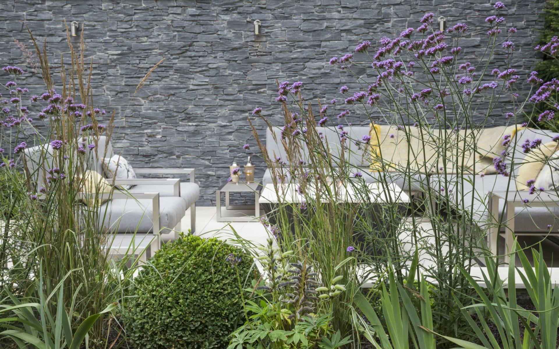 Portfolio Multi-level Contemporary Garden Stock Essex Feature Wall