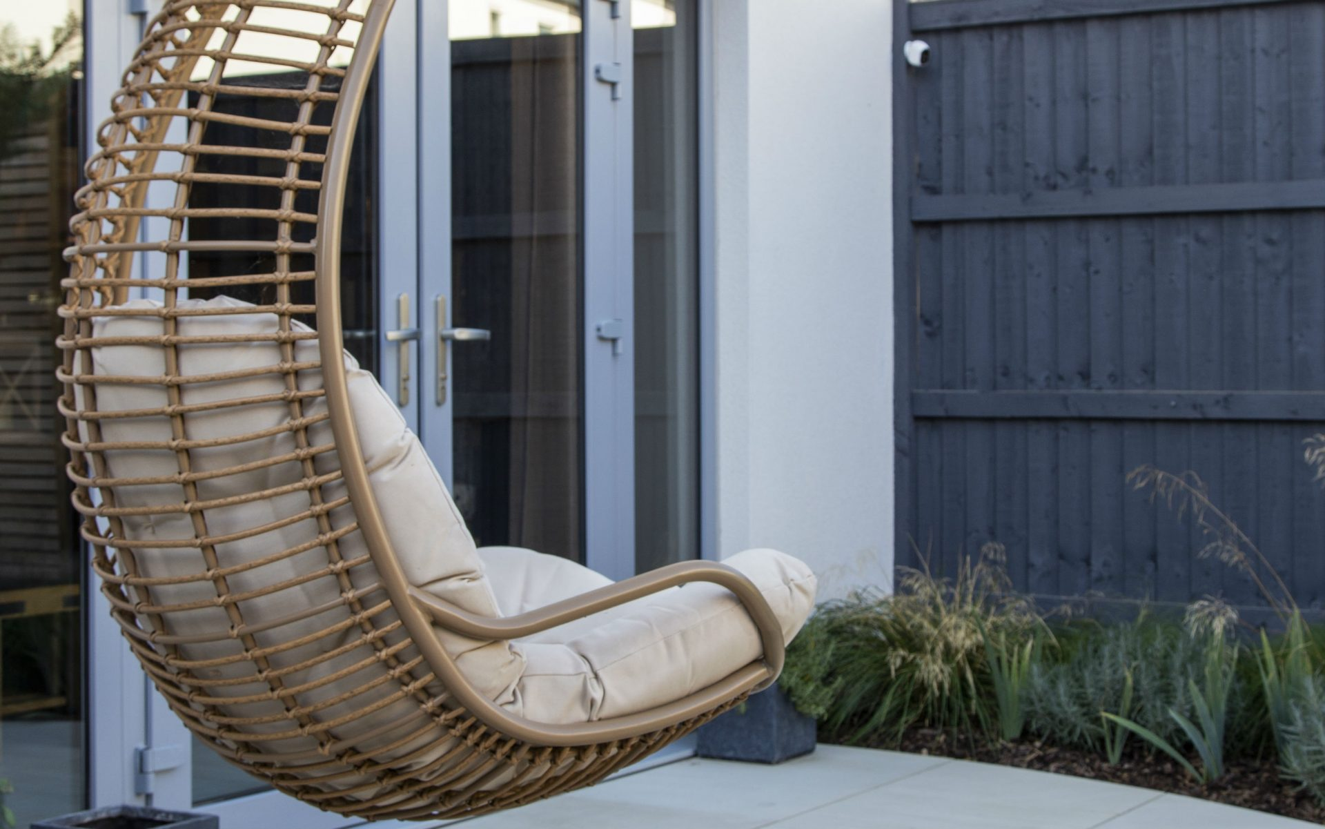 Portfolio Small Urban Garden Beaulieu Essex Hanging Chair