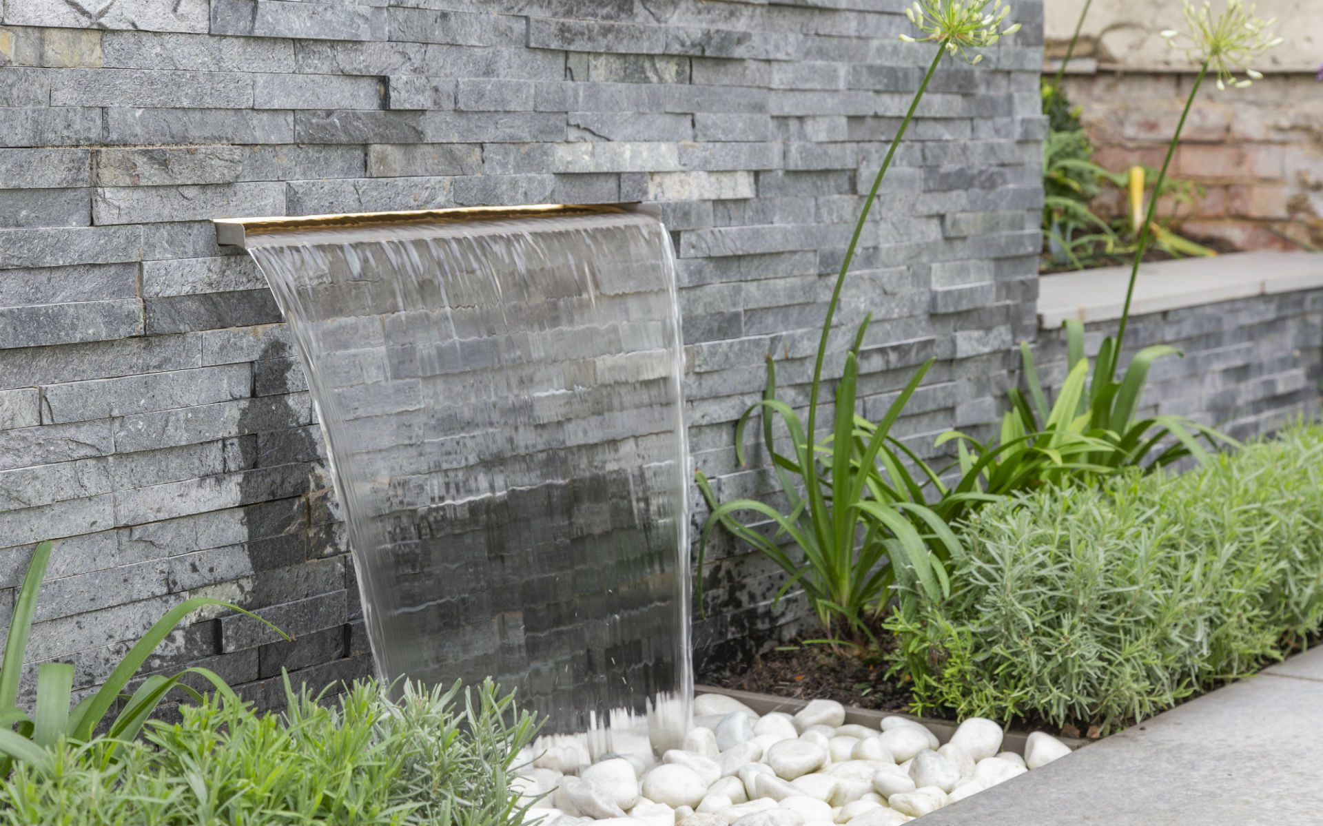 Small Quayside Garden Water Blade Feature Split face Slate Feature Wall Maldon Essex
