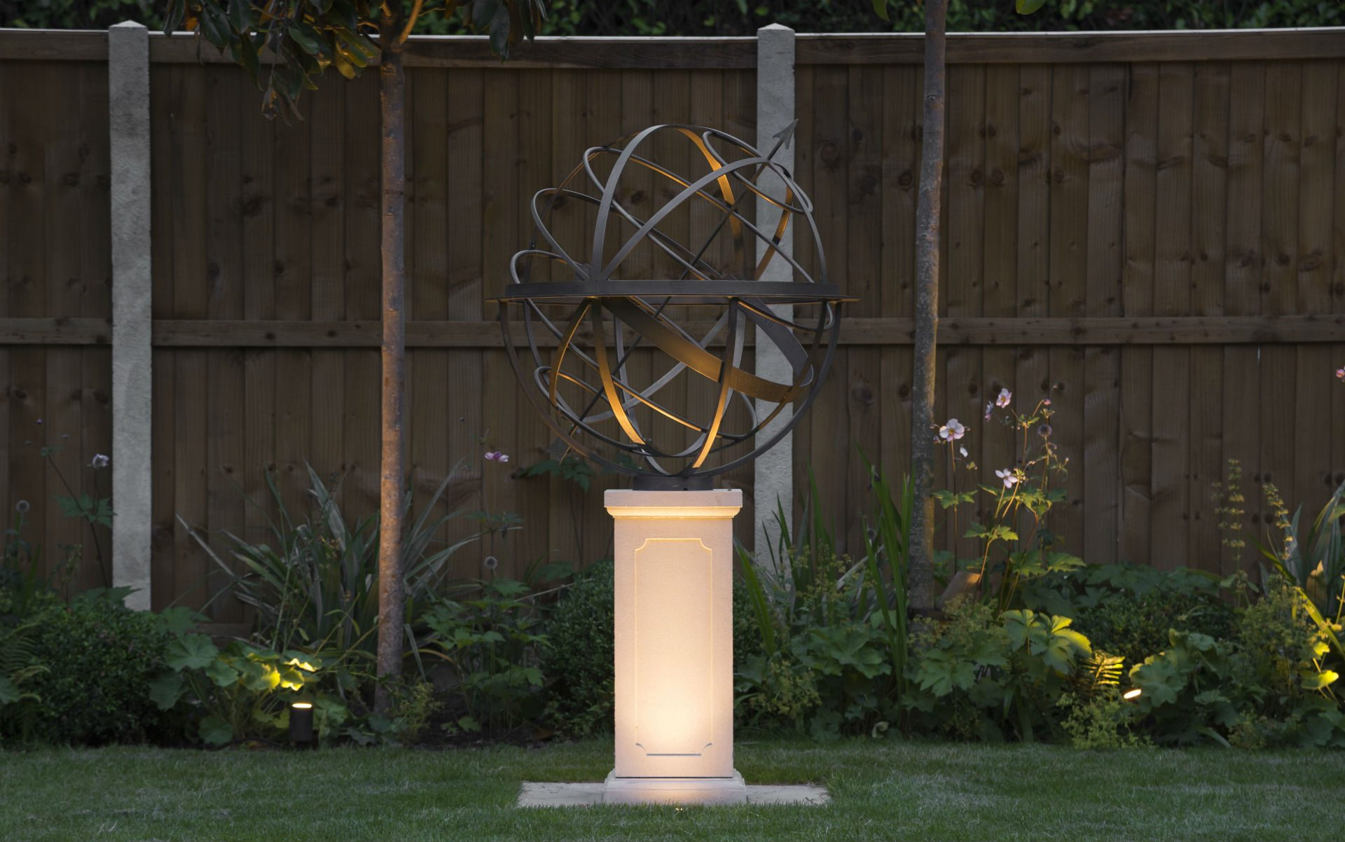 Contemporary Living Garden and Courtyard Shenfield Essex David Harber Sundial