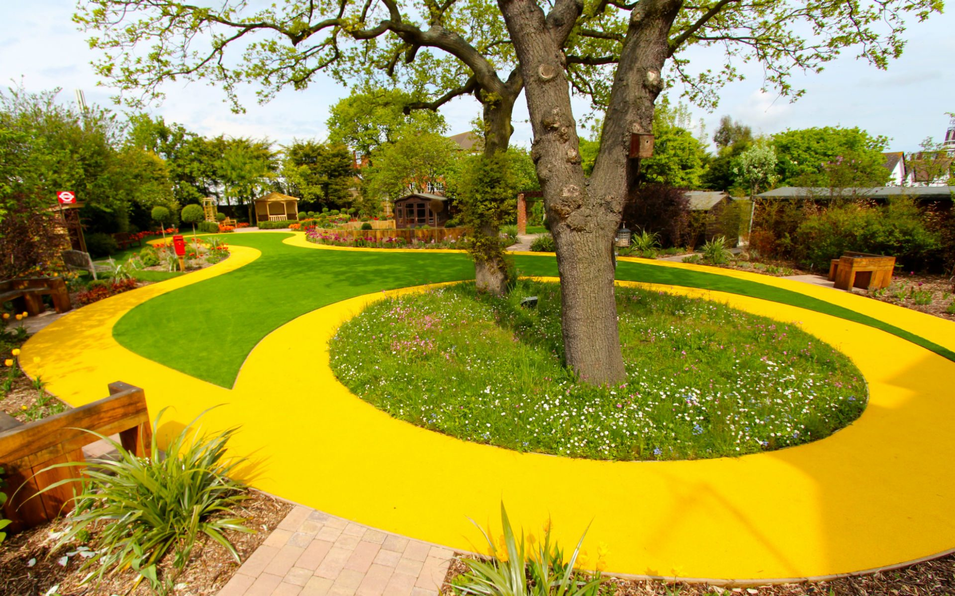 BALI Award Winning Sensory Dementia Garden Westcliff-on-Sea Essex Figure of Eight Path Meadow Turf