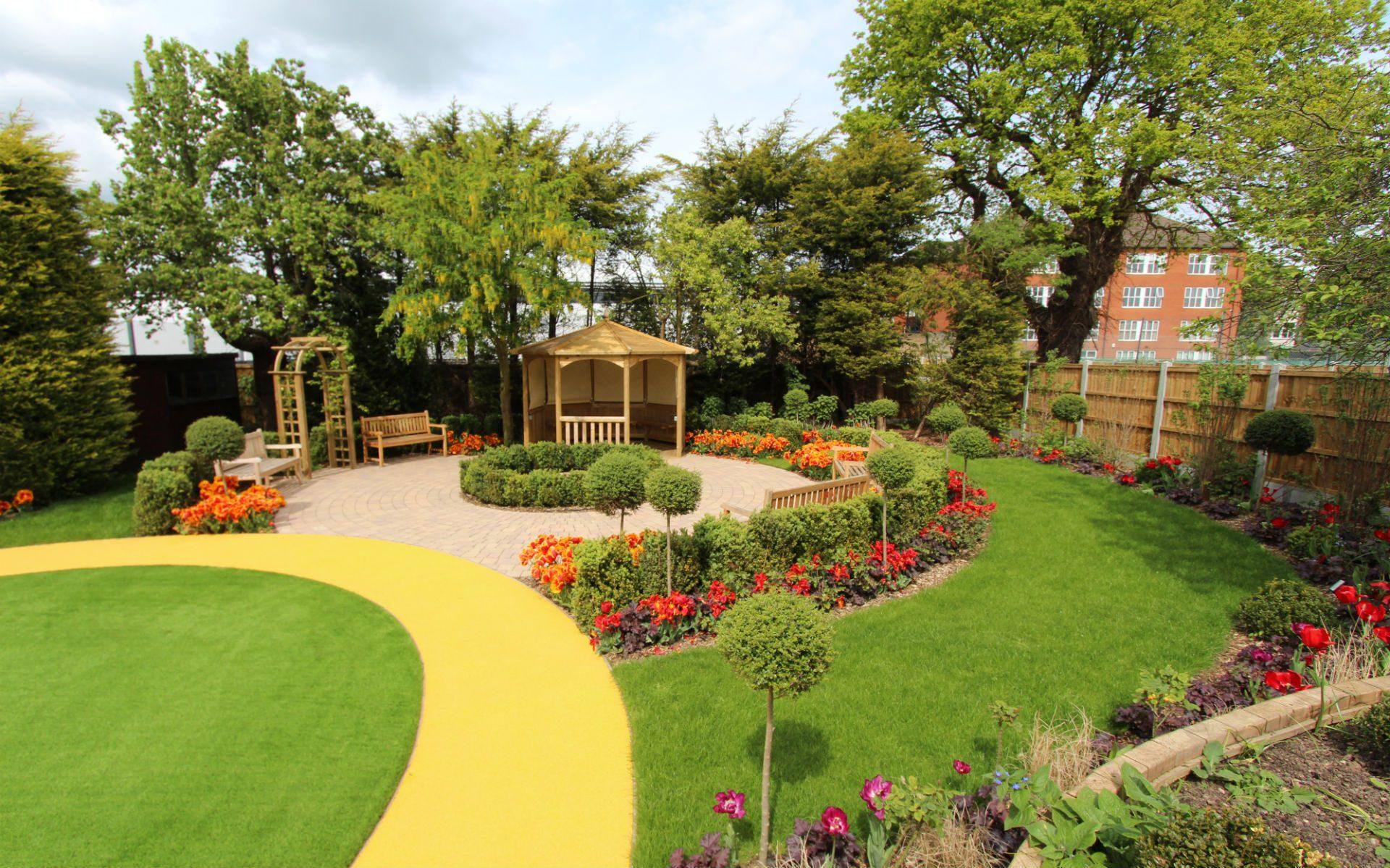 BALI Award Winning Sensory Dementia Garden Westcliff-on-Sea Essex Seating Areas