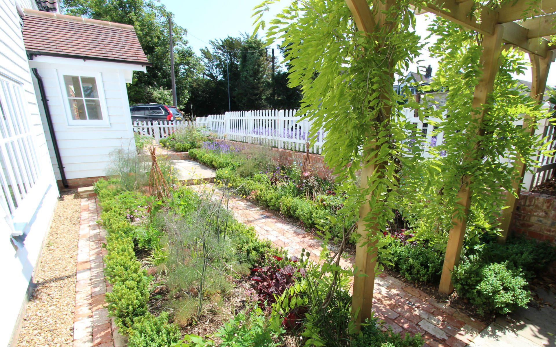 Traditional Cottage Garden Billericay Essex Cottage Planting
