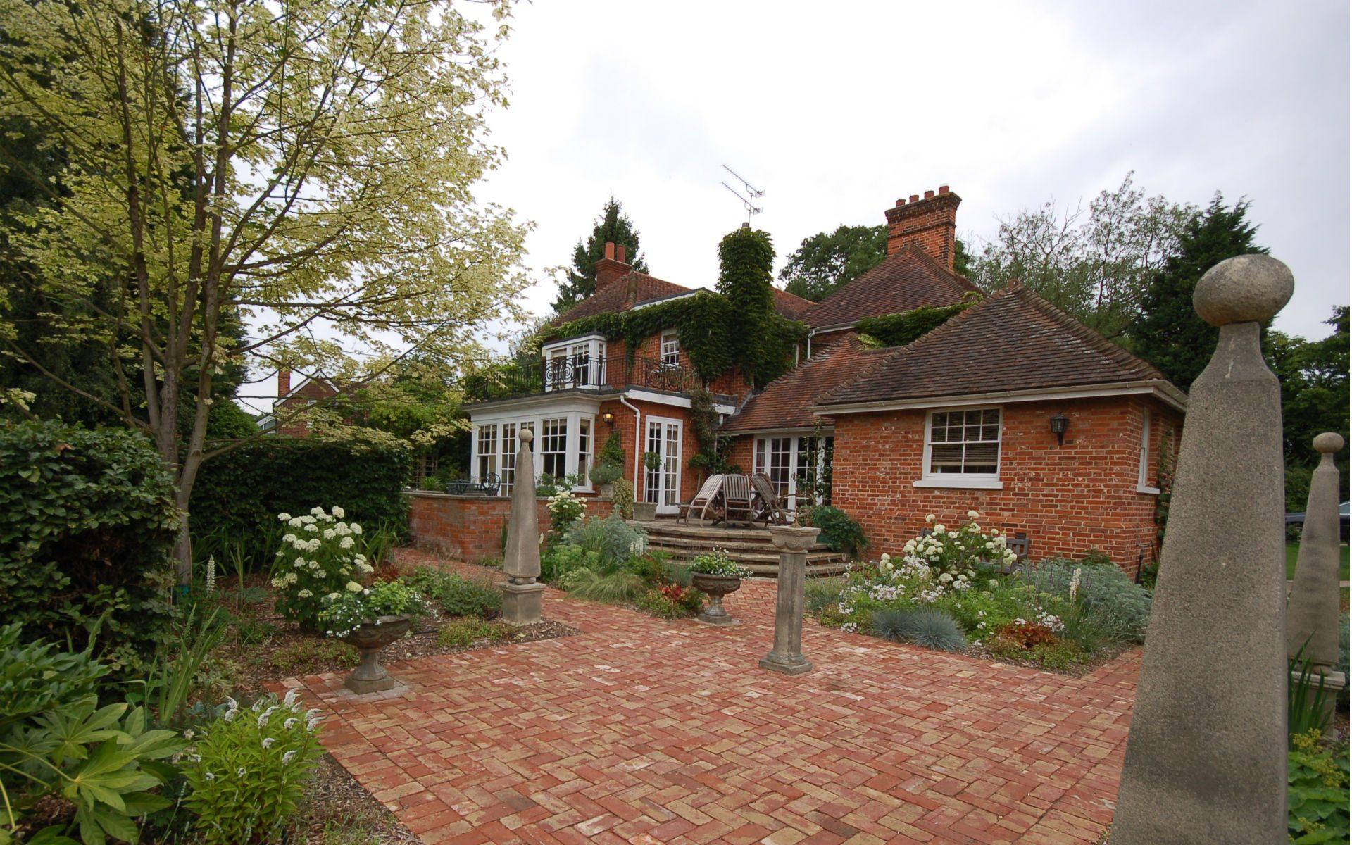 Traditional Country Estate Fryerning Essex White Courtyard Garden