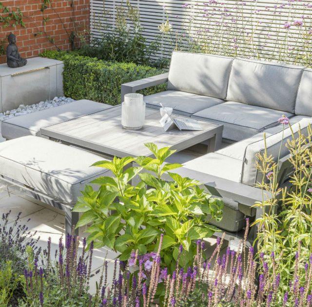 Small Urban Contemporary Garden Essex