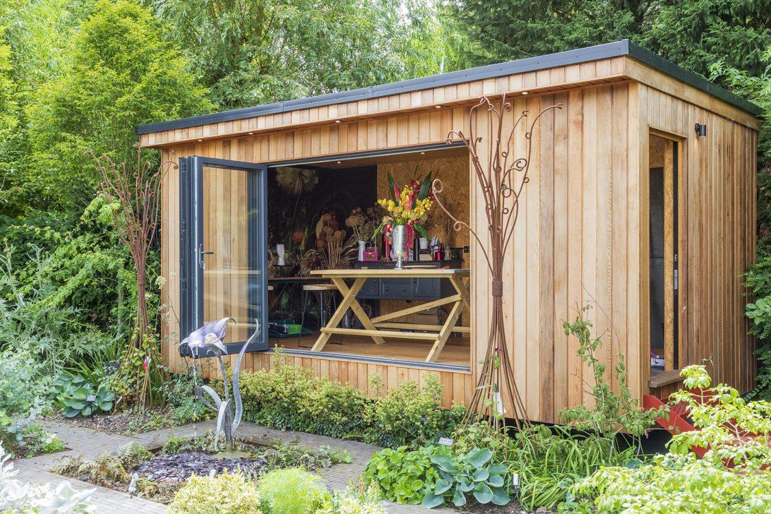 Contemporary Outdoor Living Wickham Bishops. Design and Build Cube 1994 Ltd. Bespoke Outdoor Studio. Garden Room.