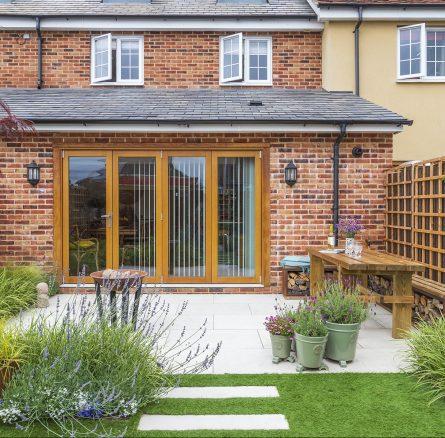 Featured Image Small Urban Contemporary Garden, Sawbridgeworth Essex. Design and Build Cube 1994.